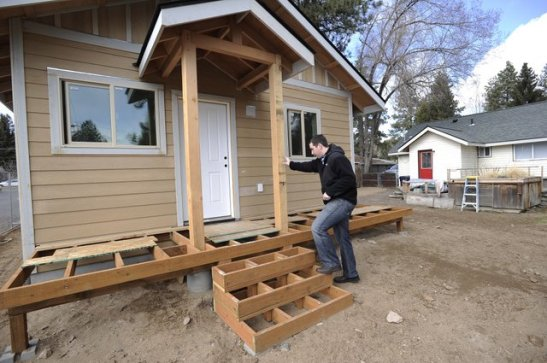 http://www.columbian.com/news/2013/mar/30/more-bend-homeowners-add-rentals/