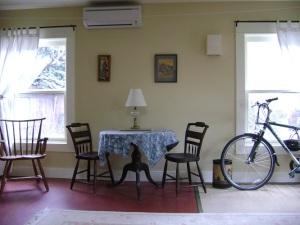 dining area in Jill's ADU