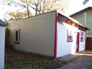Billy Hines' Carriage House After