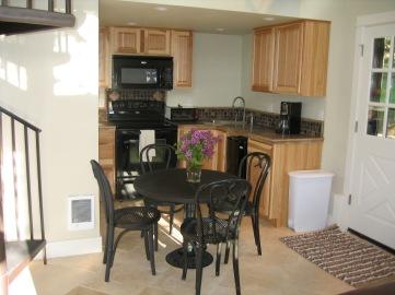 Butler ADU Dining & Kitchen