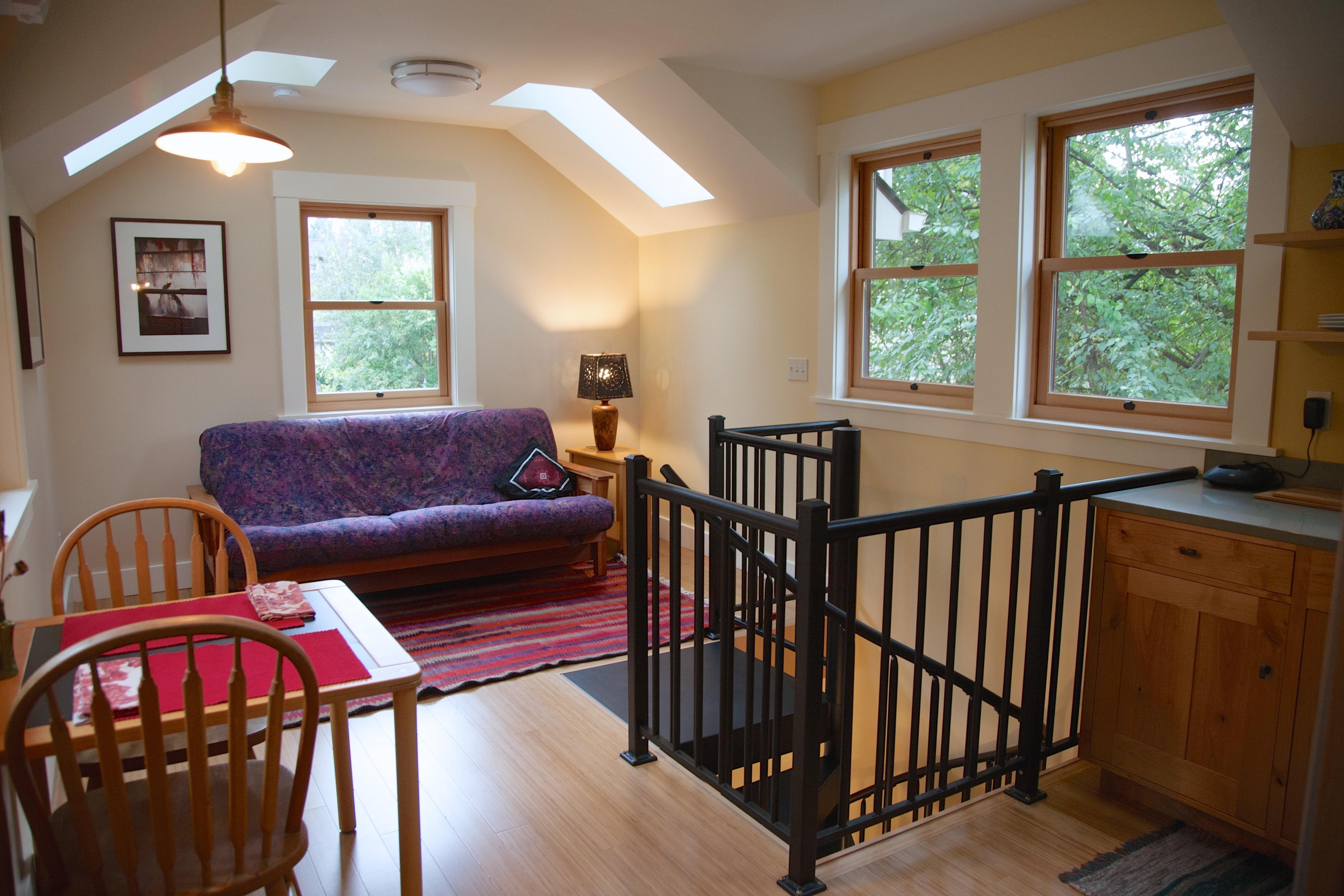Gundle ADU Dining \u0026&; ... & Barbara Gundle\u0027s ADU: A 2-Story Garage Conversion | Accessory Dwellings