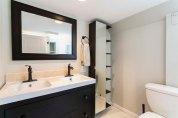 Xenelis-Mendoza ADU Bathroom
