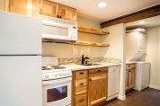 Xenelis-Mendoza ADU Kitchen & Laundry Room