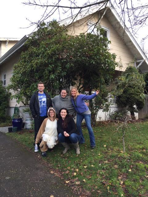 Lisa Lonstron & Her Housemates